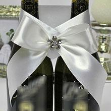"""Свадебное украшение для бутылок """"Фрезия"""" (белый/серебро)"""