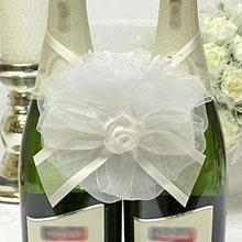 """Декоративное украшение на свадебное шампанское """"Нежное прикоснов"""