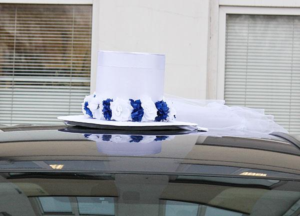 """АРЕНДА Комплект свадебных украшений на машину """"Невеста"""" (бело-синий ободок)"""