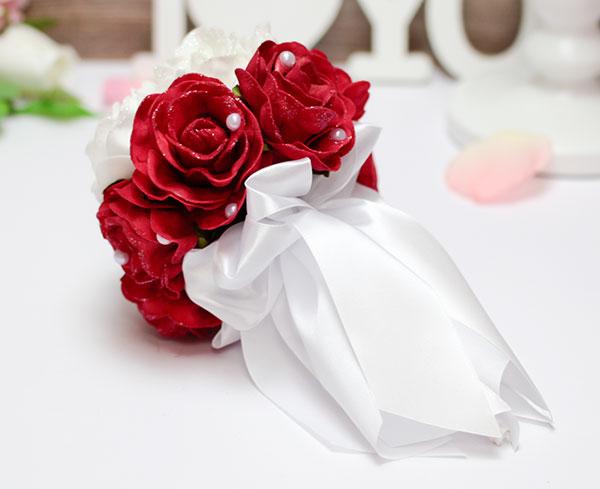 """Букет-дублер для невесты """"Очарование"""" (красно-белый)"""