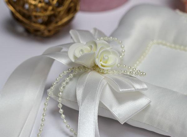 "Свадебная подушечка ""Розалия"""