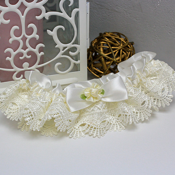 Свадебная подвязка для невесты из плетеного кружева (айвори)