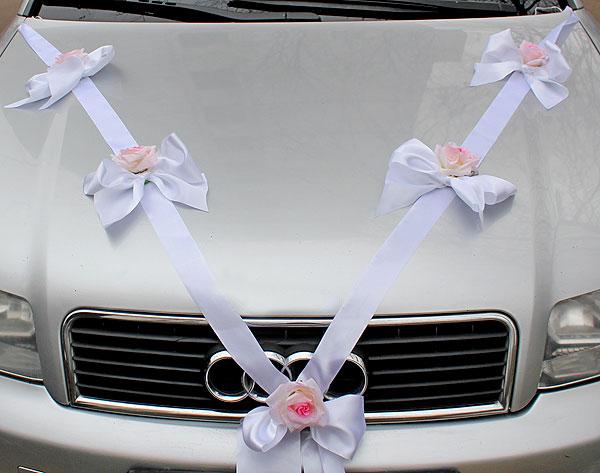 Украшение машины на свадьбу лентами своими руками