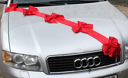 Как украсить машину лентами на свадьбу своими
