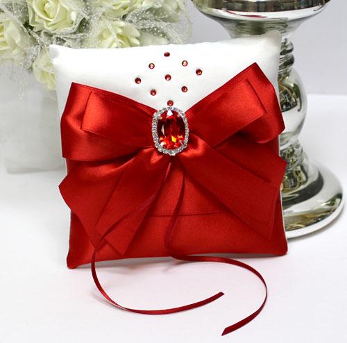 Свадебная подушечка для колец Ренессанс (красный)