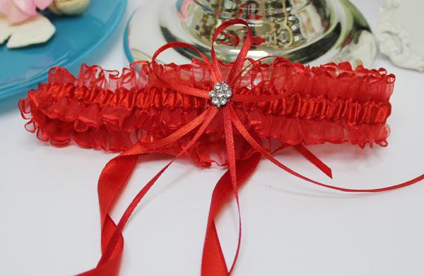 Подвязка для невесты Чародейка на завязках (красная)