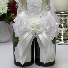 """Свадебное украшение на шампанское """"Кружева и розы"""""""