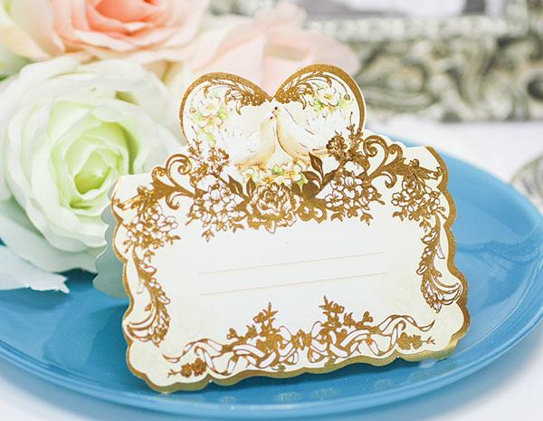 """Банкетная карточка для гостей """"Голуби в золоте"""""""