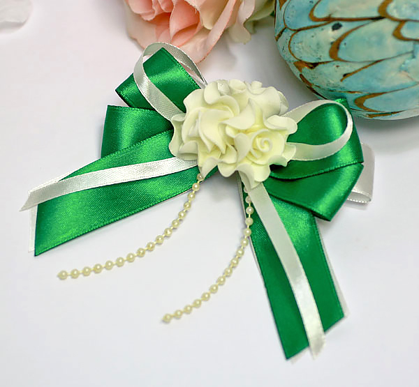 Свадебная бутоньерка для жениха Romantic (изумрудный)