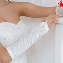 Свадебные перчатки с бисером и пайетками (белый)