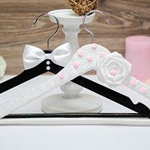 """Вешалки для нарядов жениха и невесты """"Нарядная пара"""""""