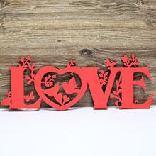 """Слово для фотосессии """"LOVE"""" (красный)"""
