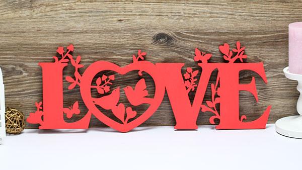 Слово для фотосессии LOVE (50 см) (красный)