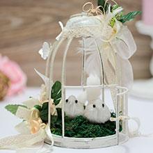 Небольшая клеточка для украшения свадебного стола