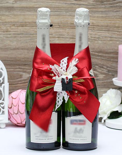 Украшение для свадебного шампанского Счастливая пара (красный)