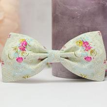 Галстук-бабочка для жениха (нежные цветы)