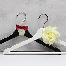 """Вешалки для нарядов жениха и невесты """"Леди и джентельмен"""""""
