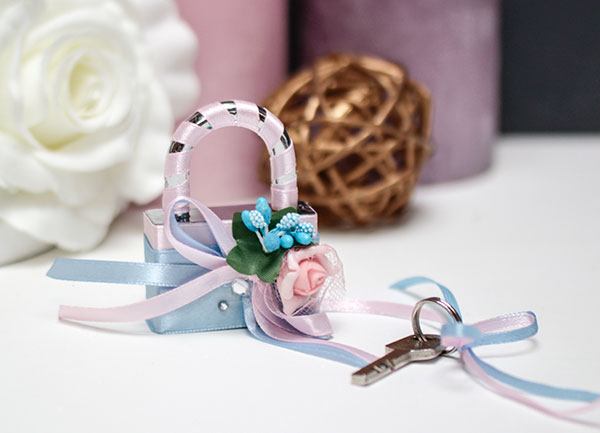 """Свадебный замочек """"Весенний поцелуй"""" (голубой)"""