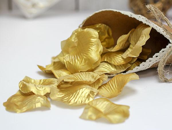 Искусственные лепестки роз (золотой)