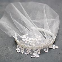 """Вуалетка для невесты """"Беатрис"""" (на ободке)"""