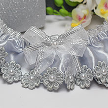 Подвязка для невесты Серебряные цветы
