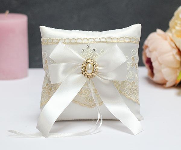 """Свадебная подушечка для колец """"Винтажный шик"""" (айвори)"""