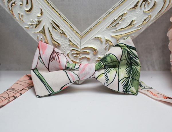 Галстук-бабочка для жениха (цветочный)