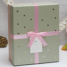 """Коробка для подарков """"Золотые звезды"""" (большая, фисташковая)"""