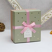 """Коробка для подарков """"Золотые звезды"""" (маленькая, фисташковая)"""
