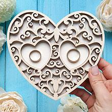 Деревянная подставка для колец Резное сердце (без покраски)