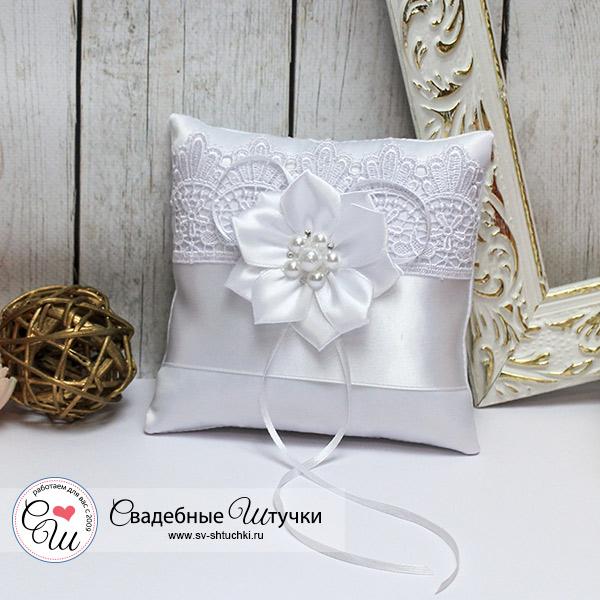 Свадебная подушечка для колец Нежные цветы (белый)