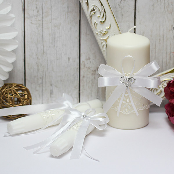 Домашний очаг + 2 свечи Нежное сердце (без подсвечников) (белый)