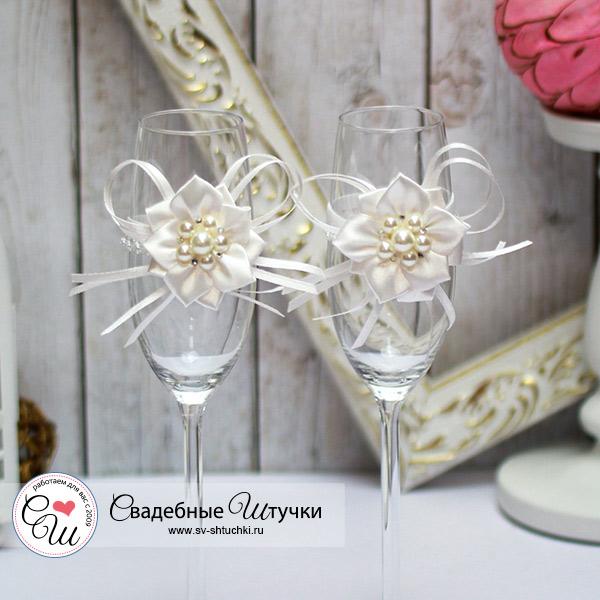 Свадебное украшение на бокалы Нежные цветы (айвори)