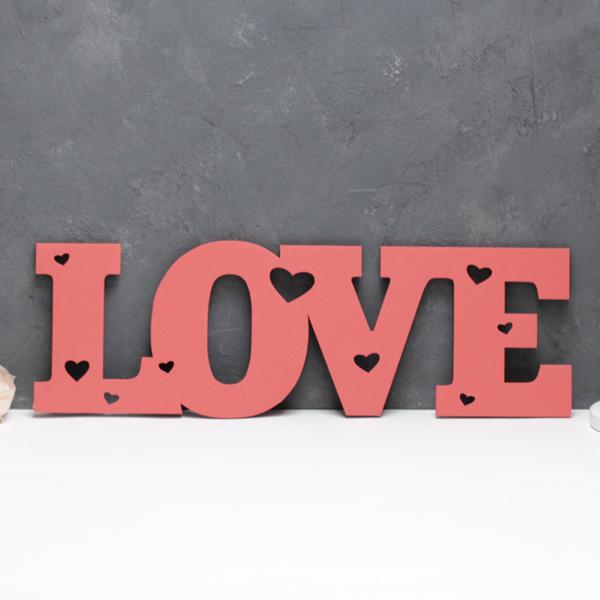 Слово для фотосессии Love с сердечками (50 см) (красный)