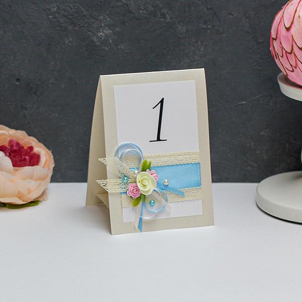 """Карточка с номером стола """"Весенний поцелуй"""""""