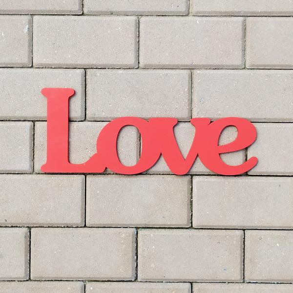 Слово для фотосессии Love (40 см) (красный)