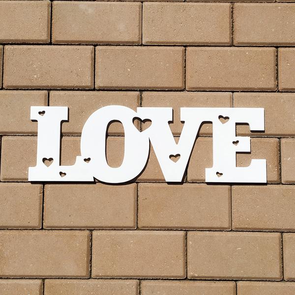 Слово для фотосессии Love с сердечками (50 см) (белый)