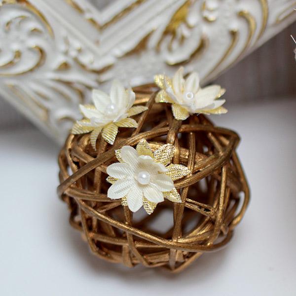 Свадебное украшение для волос Милый цветочек#2 (на липучке) (1 шт) (айвори/золотой)