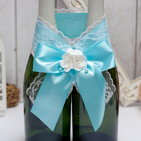 Свадебное украшение на бутылки Изысканные розы (лазурный)