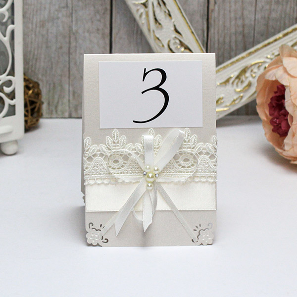 Карточка с номером стола Нежные цветы (айвори)