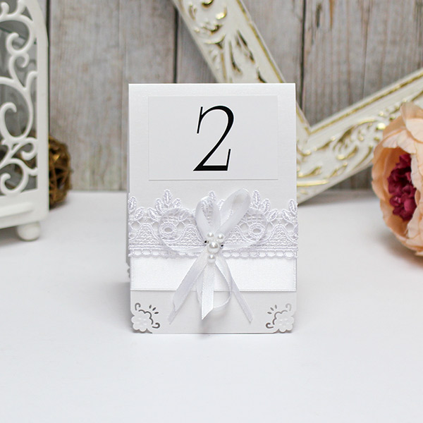 Карточка с номером стола Нежные цветы (белый)
