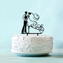 """Топпер в торт """"Счастилвая пара"""""""