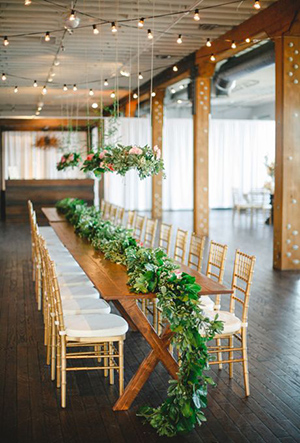 greenery-rustic-indoor-wedding-table-ideas