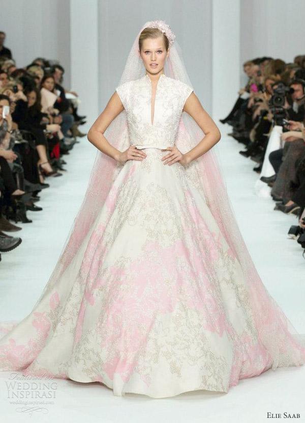 Розовое свадебное платье - дизайнер Эли Сааб