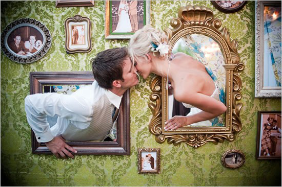 ever-so-lovely-blog-wedding-photo-booth