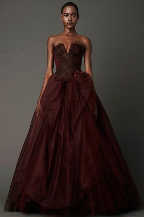 Коричневое свадебное платье от Веры Вонг